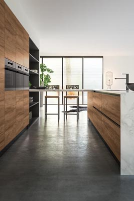 Modern kitchen warm oak