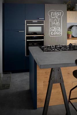 Kitchen old oak fronts midnight blue