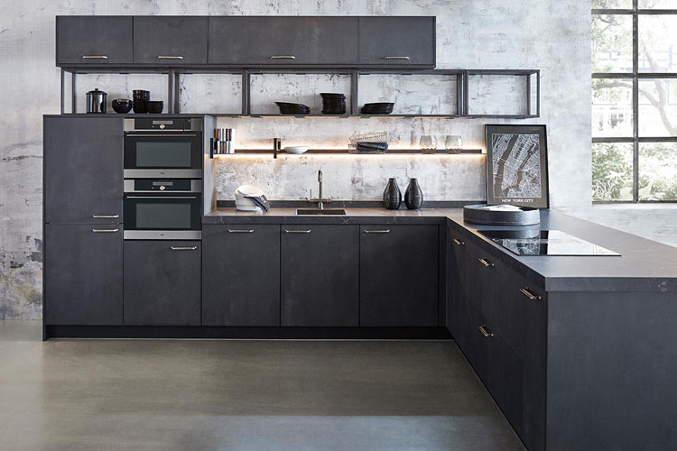 Industrial kitchen trend Black Metal