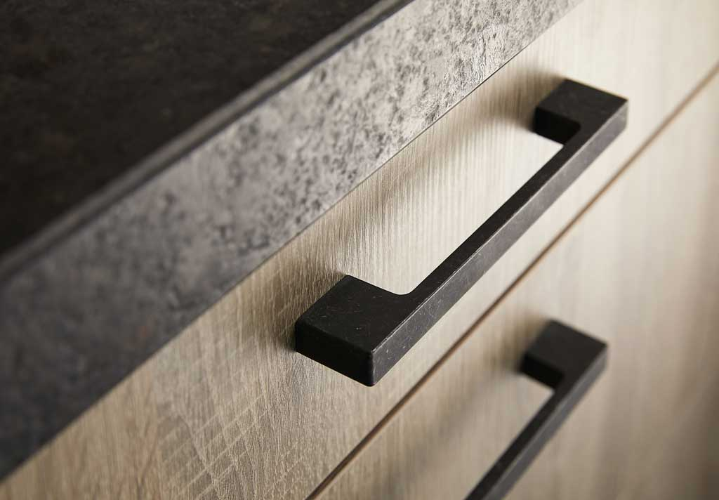 Kitchen handle black