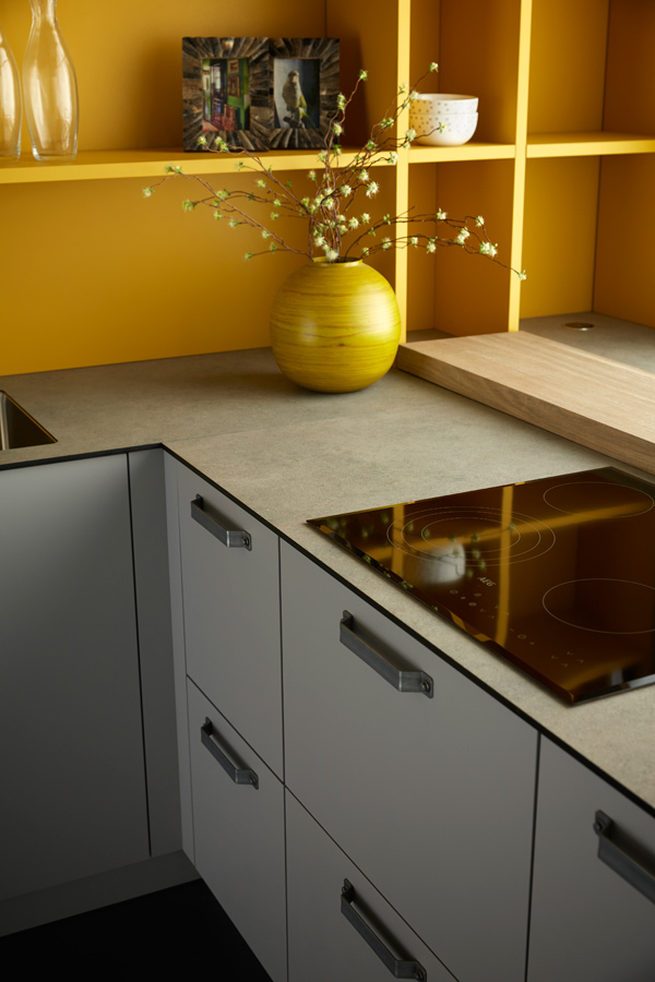Fitted kitchen lacquered